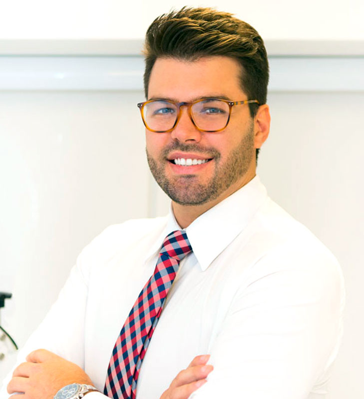 Dr. Nickollas Mendes